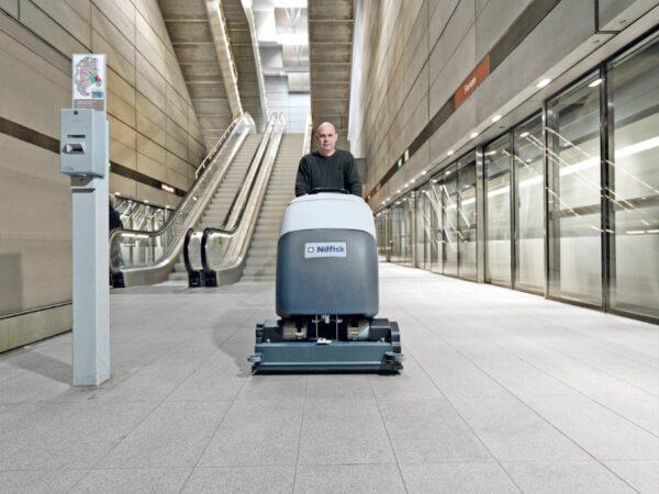 Nilfisk BA751C cylinder floor scrubber drier