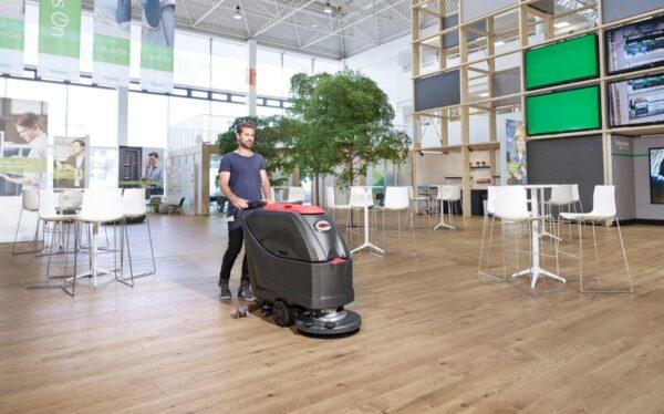 Viper AS5160-T scrubber drier for education establishments.