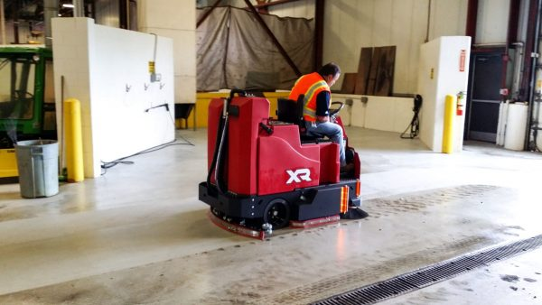 Factory Cat XR ride on scrubber drier