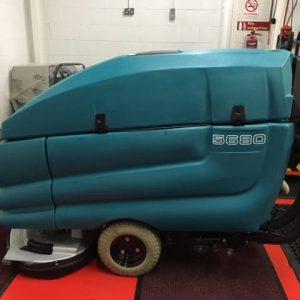Tennant 5680 refubished scrubber dryer