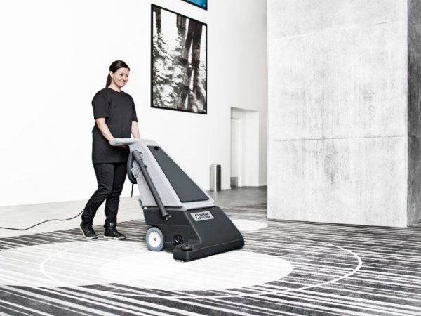 GU 700A, a Nilfisk wide head vac for cleaning large areas