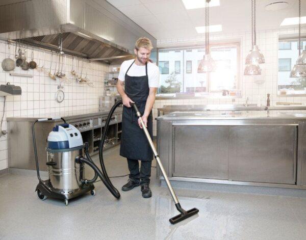 Low cost wet & dry vacuum cleaner