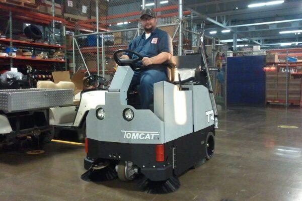 Tomcat VR / Factory Cat TR industrial floor sweeper