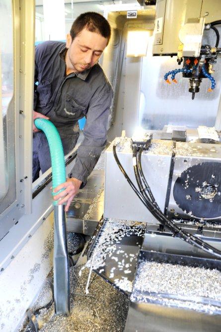 Single phase heavy duty vacuum