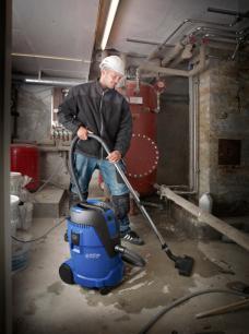 Nilfisk Aero Wet & Dry vac for plumbers.