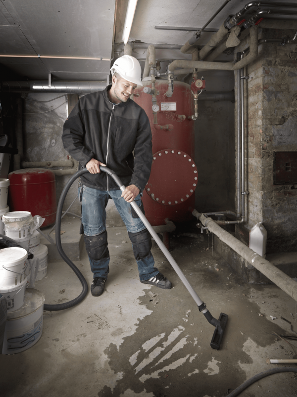 Industrial wet vac for general cleaning